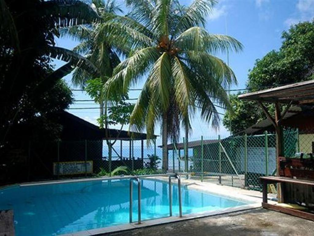 Swimming pool Tioman Dive Resort
