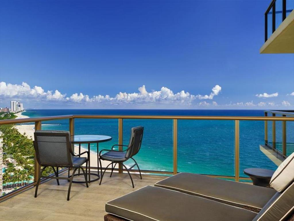 the st regis bal harbour resort in miami beach fl. Black Bedroom Furniture Sets. Home Design Ideas