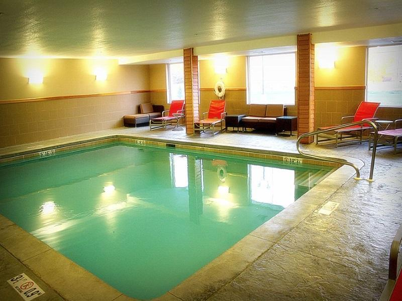 Best Price on Holiday Inn Express Toledo North in Toledo (OH) + Reviews