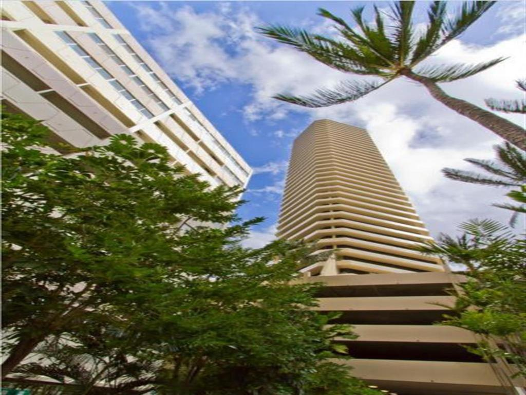 More about Marina Tower Waikiki