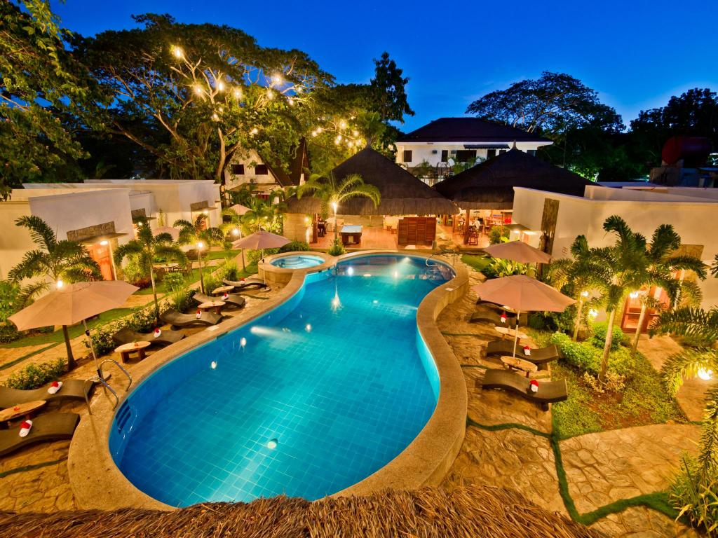 Swimming pool [outdoor] Acacia Tree Garden Hotel