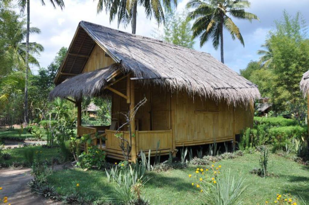 Banglo Backpacker - Vila/Banglo Rinjani Beach Eco Resort
