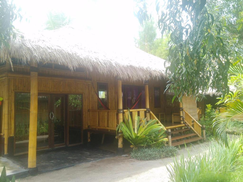 Lobi Rinjani Beach Eco Resort