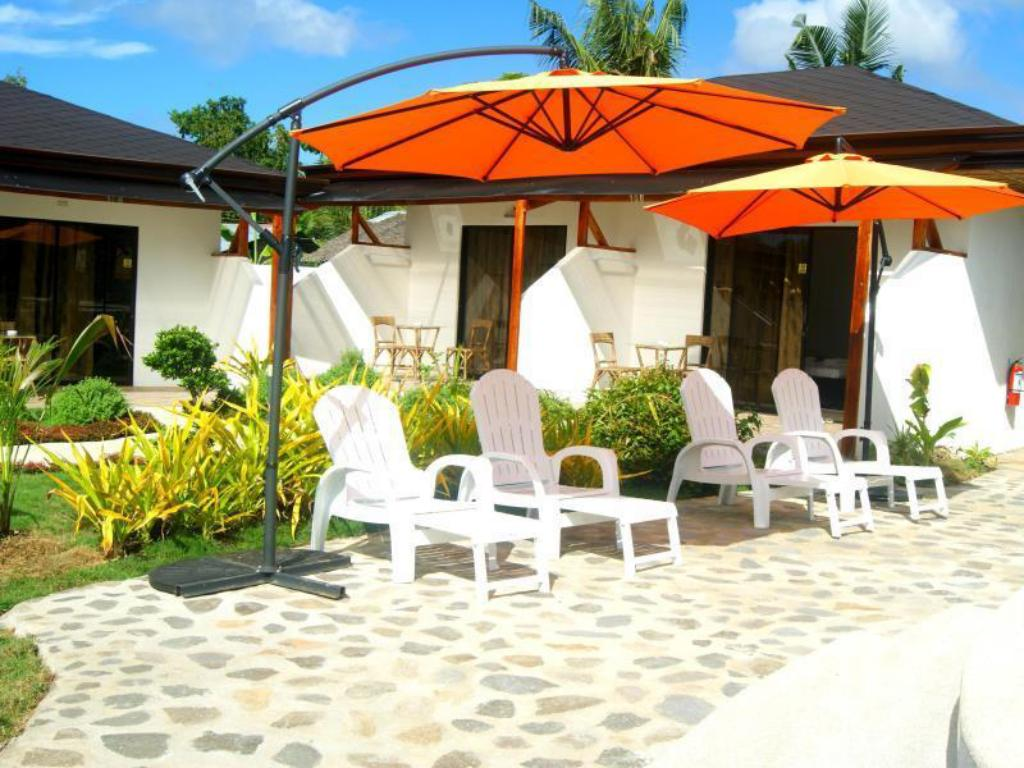 Deluxe Double - Outside seating area Panglao Homes Resort & Villas
