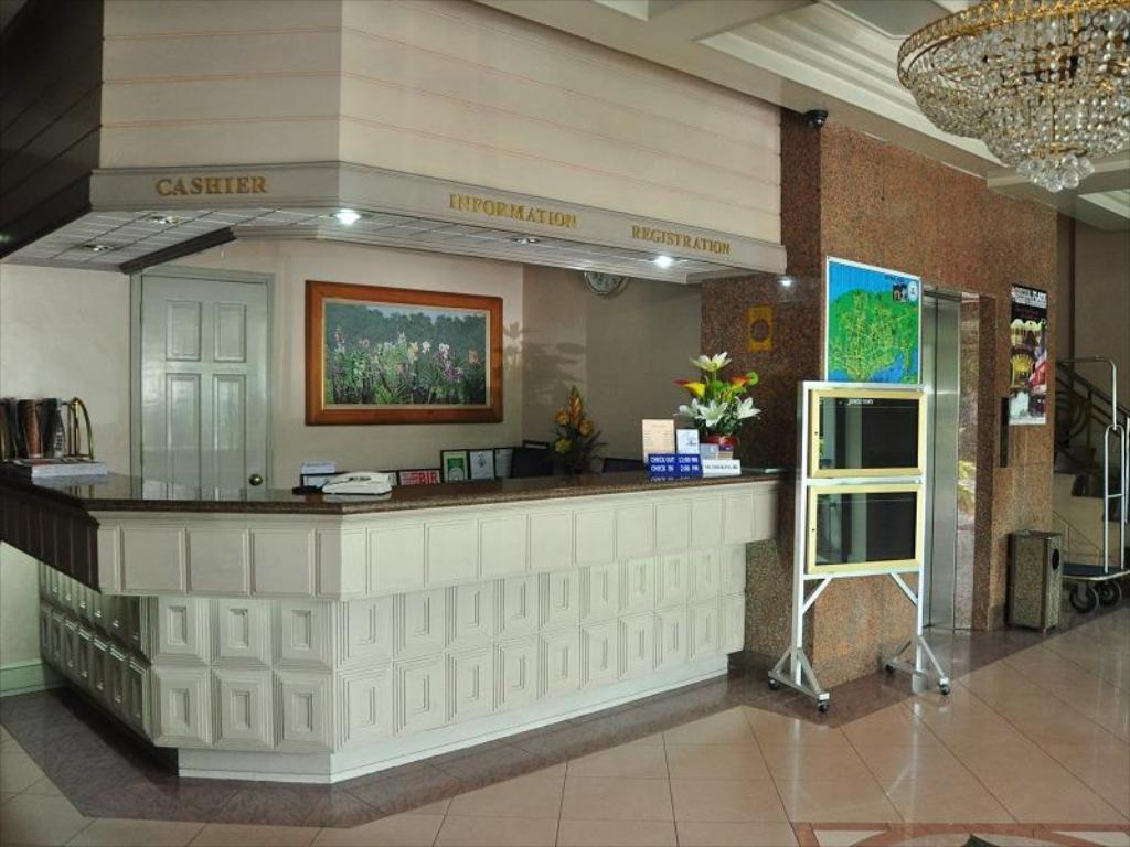 Lobby Cebu Northwinds Hotel
