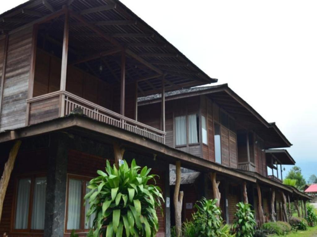 Villa Rumah Kayu Java Joglo