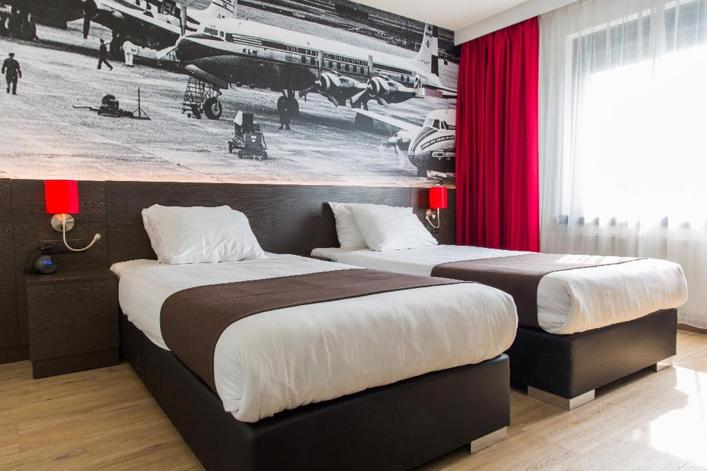 Deluxe Room - Bedroom Best Western Plus Amsterdam Airport
