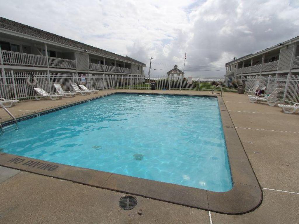Best Price on InnSeason Resorts Surfside a VRI Resort in