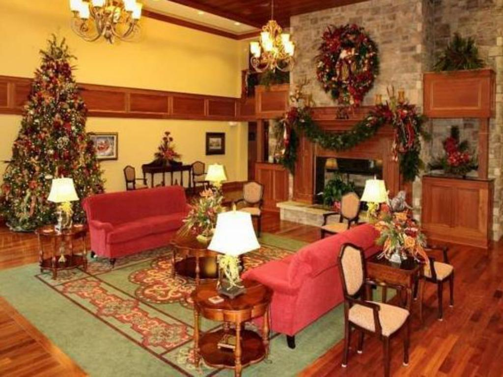 The Christmas Inn.The Inn At Christmas Place In Pigeon Forge Tn Room Deals