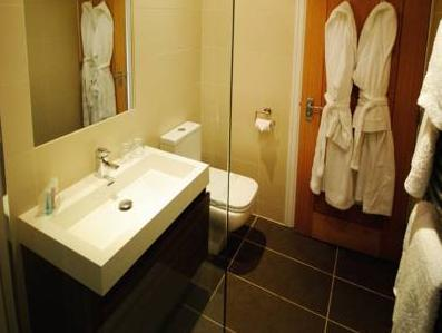 Luxury Double Soba (Luxury Double Room)