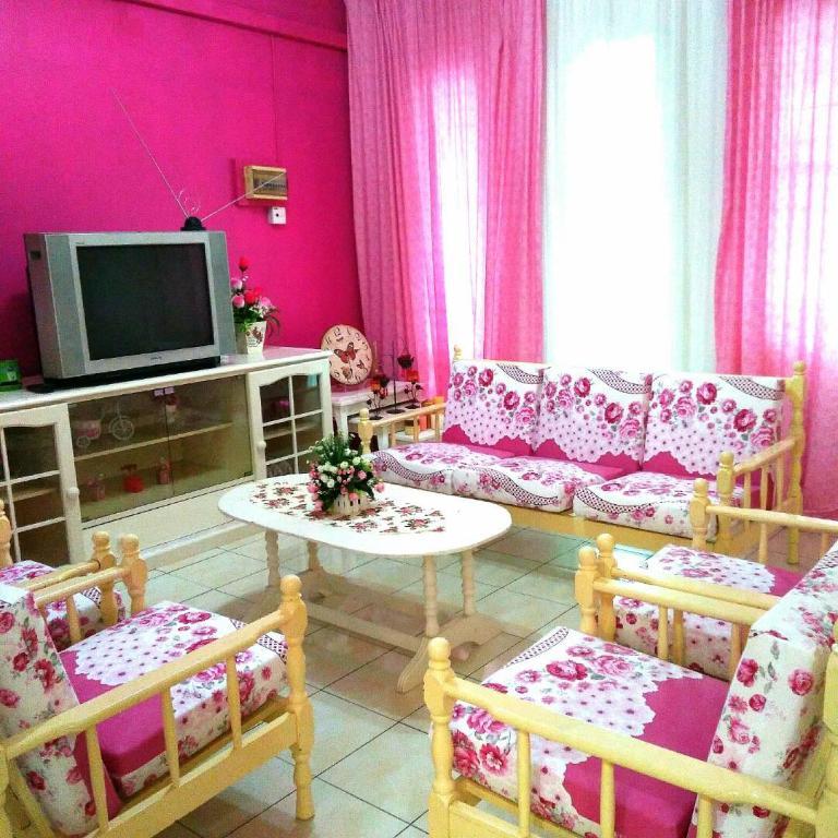 Best Price on Samariang Homestay Kuching in Kuching + Reviews!