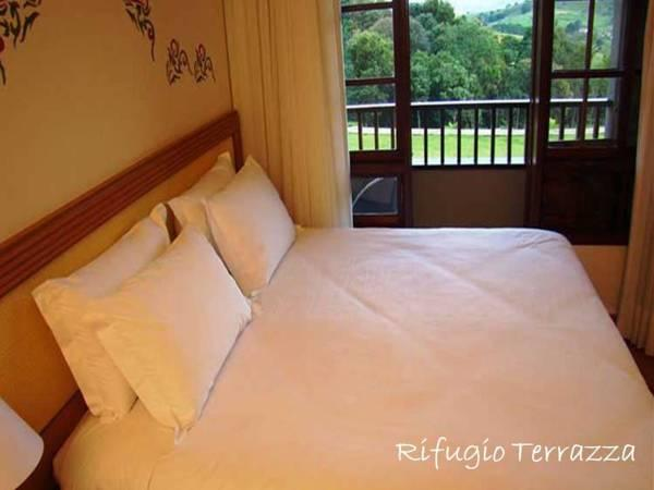 双人床房-带阳台 (Double Room with Balcony)