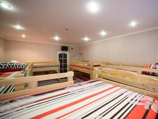 Posto Letto in Dormitorio Misto con 10 Letti  (Bed in 10-Bed Mixed Dormitory Room)