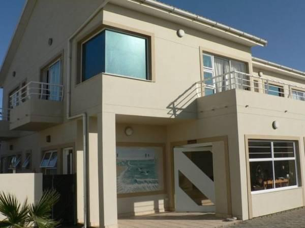 Apartment, 2 Bedrooms, Kitchen (Mile 4 Self Catering)