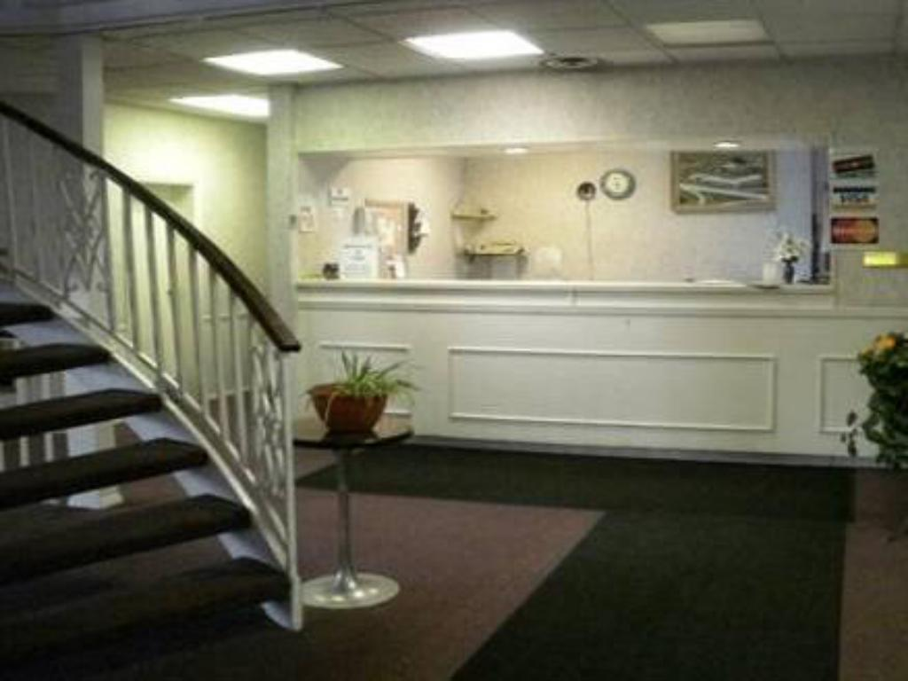 Reception Welcome Inn and Suites