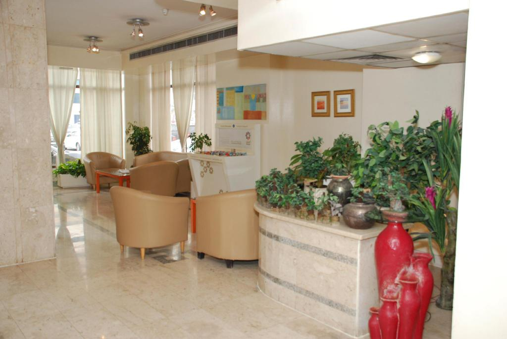 Foyer Al Buhaira Hotel Apartments