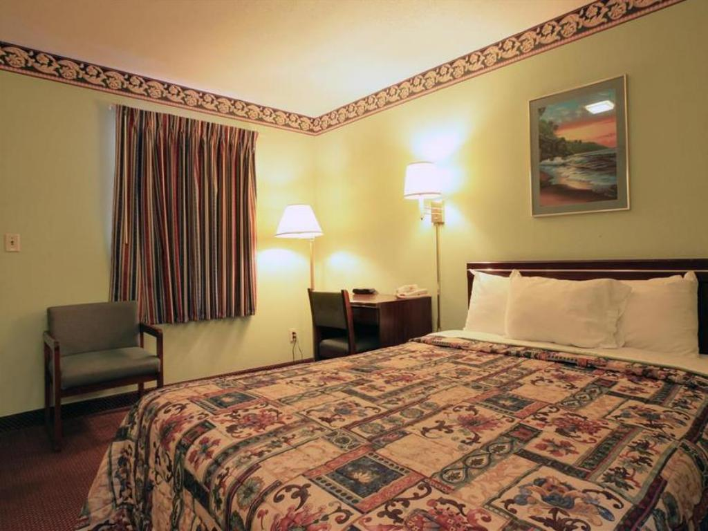 Guestroom Americas Best Value Inn - Fayetteville, TN