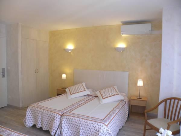 Camera Doppia con Letti Singoli con Vista Villaggio (Twin Room with Village View)