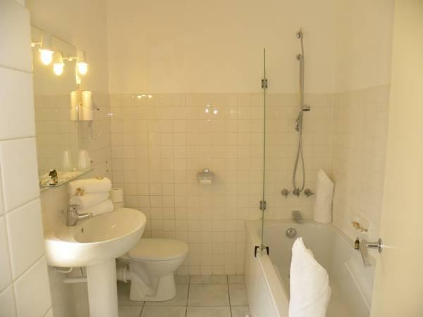 Camera Tripla - Lato Paese  (Triple Room - Village Side)