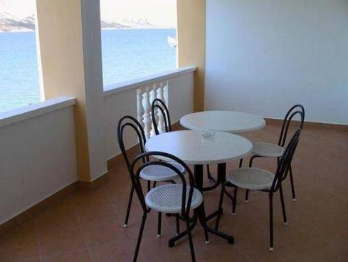 Appartamento Vista Mare con 2 Camere con Balcone (Two-Bedroom Apartment with Balcony and Sea View)