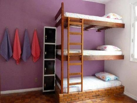 9床女性宿舍间的1张床位 (Bunk Bed in 9-Bed Female Dormitory Room)
