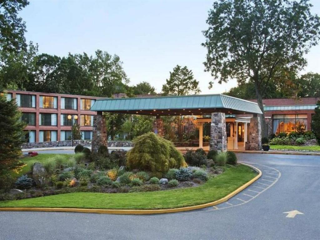 Hilton Westchester In Rye Brook Ny Room Deals Photos Reviews