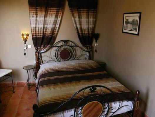 Standard Double or Twin Room, Private Bathroom (Houda)