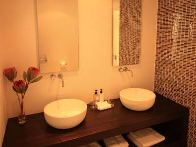 Suite King dengan Bilik Mandi Spa (King Suite with Spa Bath)
