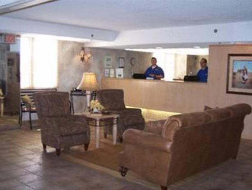 Vista interior Expressway Inn and Suites Bismarck