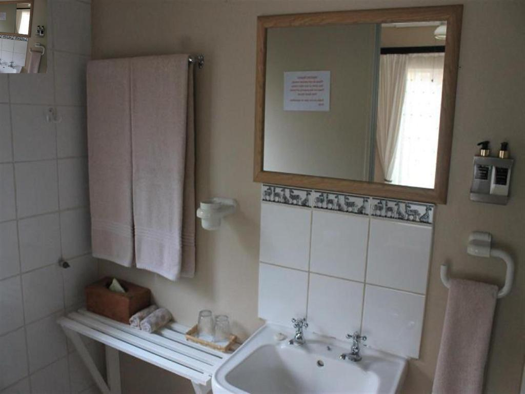 Bathroom Forest View Guest House & Self Catering