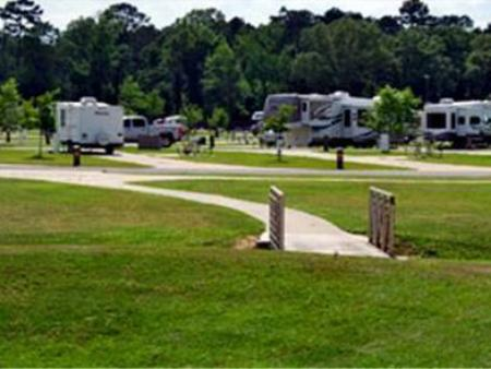 Red Shoes Rv Park And Chalets In Coushatta La Room