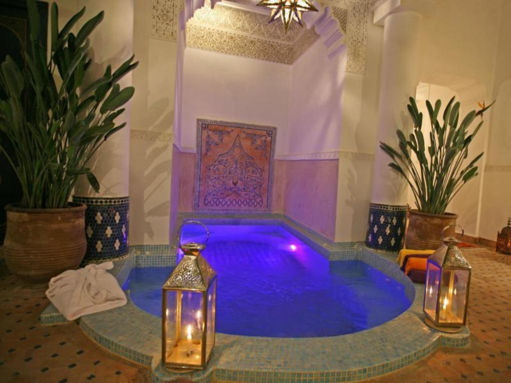 Swimming pool Riad Aloes