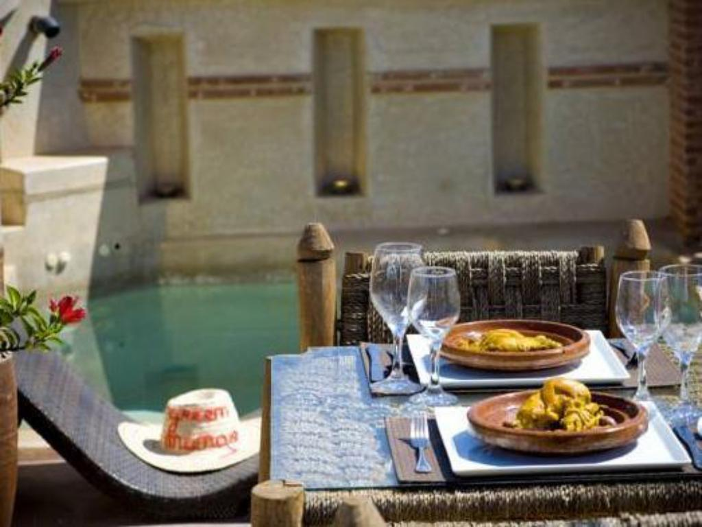 Swimming pool Riad Green Mango & SPA