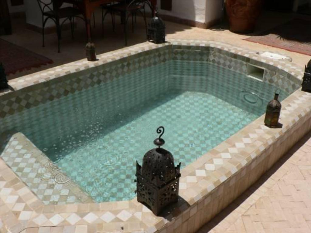 Swimming pool Riad Nora