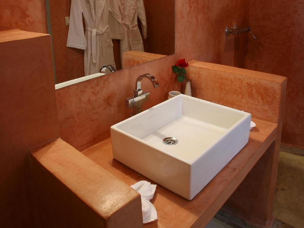 Ocarina Standard Double Room - Bathroom Riad Olema et Spa