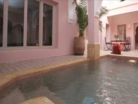 Swimming pool Riad Tahani