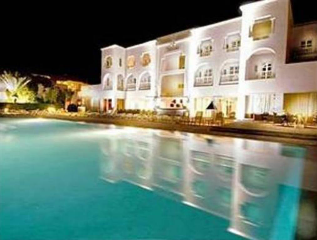 בריכת שחיה Royal Decameron Tafoukt Beach Resort - All Inclusive