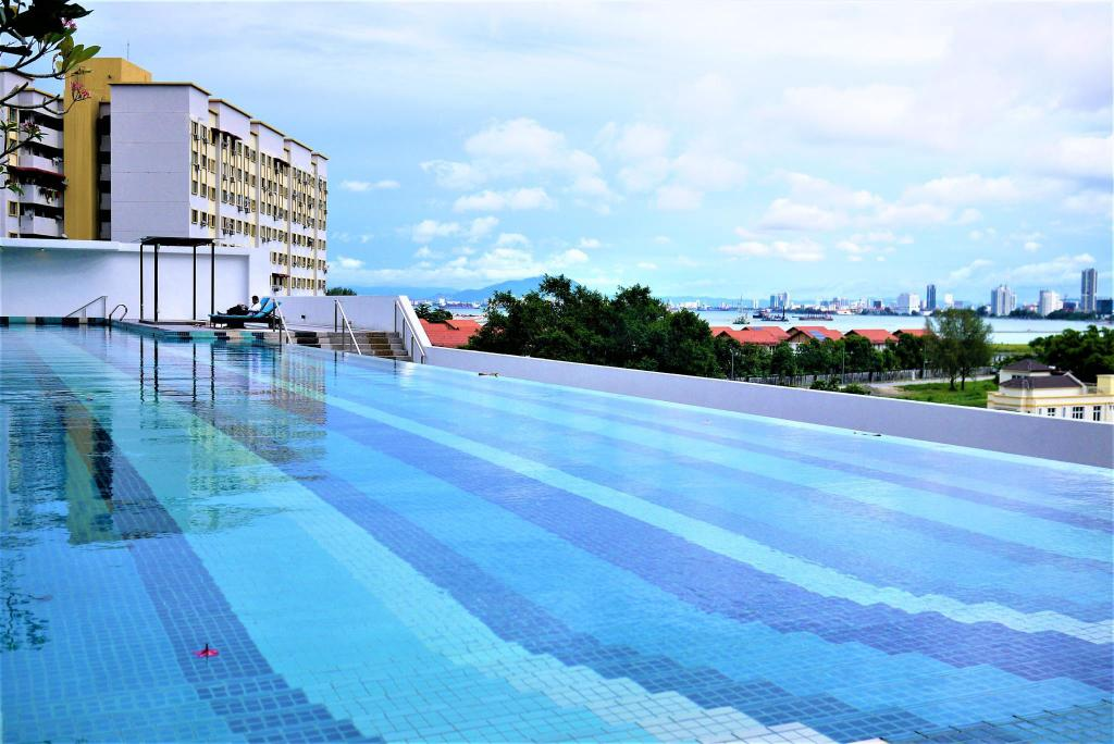 Swimming pool [outdoor] Seaview Studio Condo Home