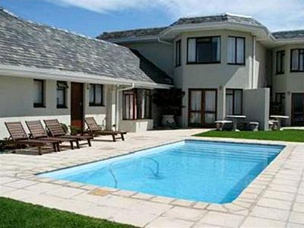 Schwimmbad Sandbaai Country House
