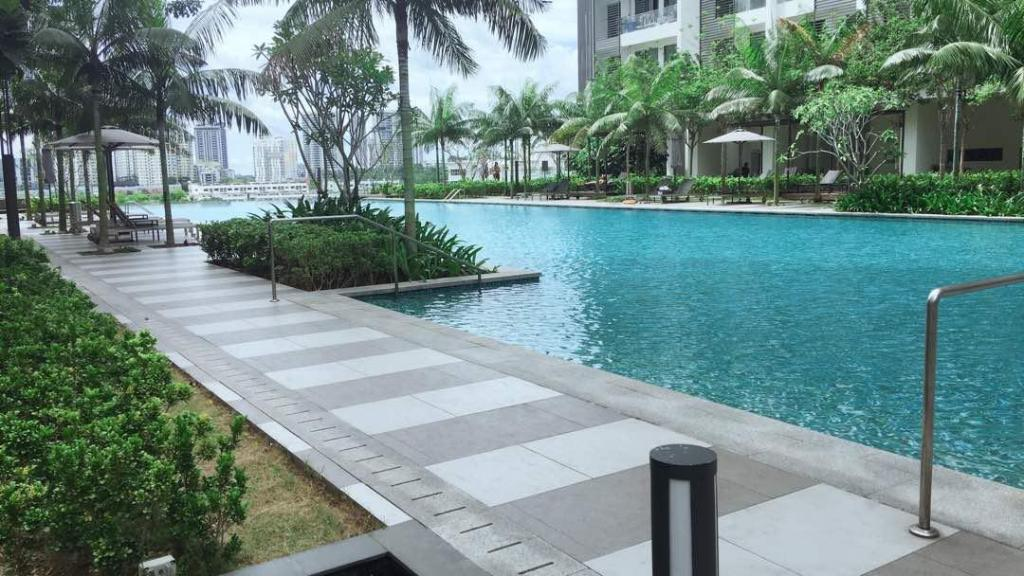 Swimming pool GuestHouse And Homestay AinaBella