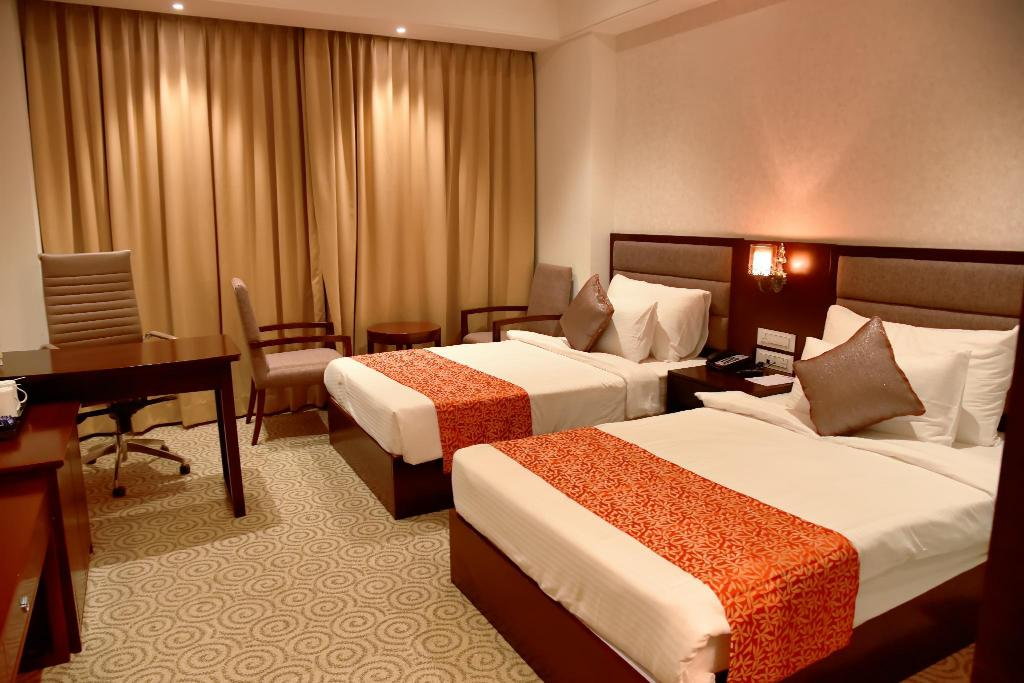 Deluxe/Twin - Bed Pride Hotel & Convention Centre Indore