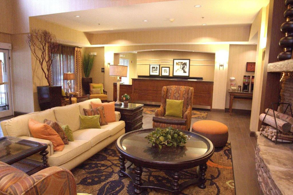 Lobby Hampton Inn and Suites Mooresville Lake Norman