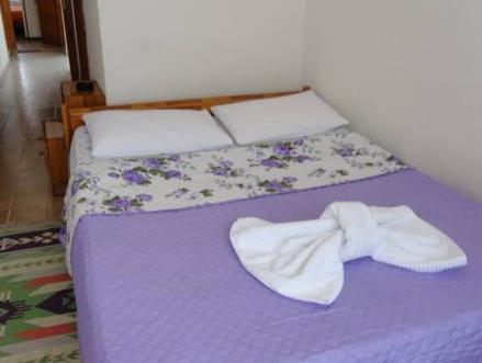 Doppia con Letti Separati Standard con Bagno in Comune (Standard Twin Room with Shared Bathroom)