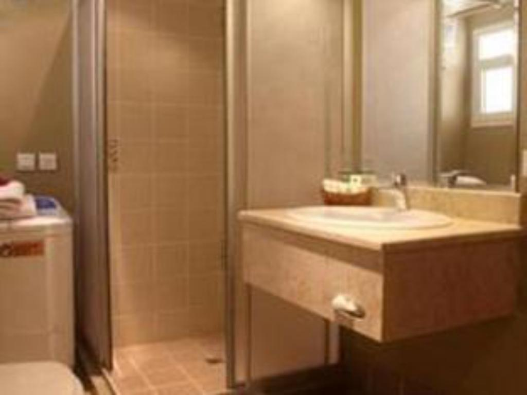 Bathroom Shada Homes Suites - Al Hamra