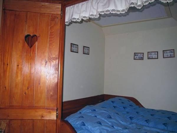 Standard Double Room with Cupbaord Bed