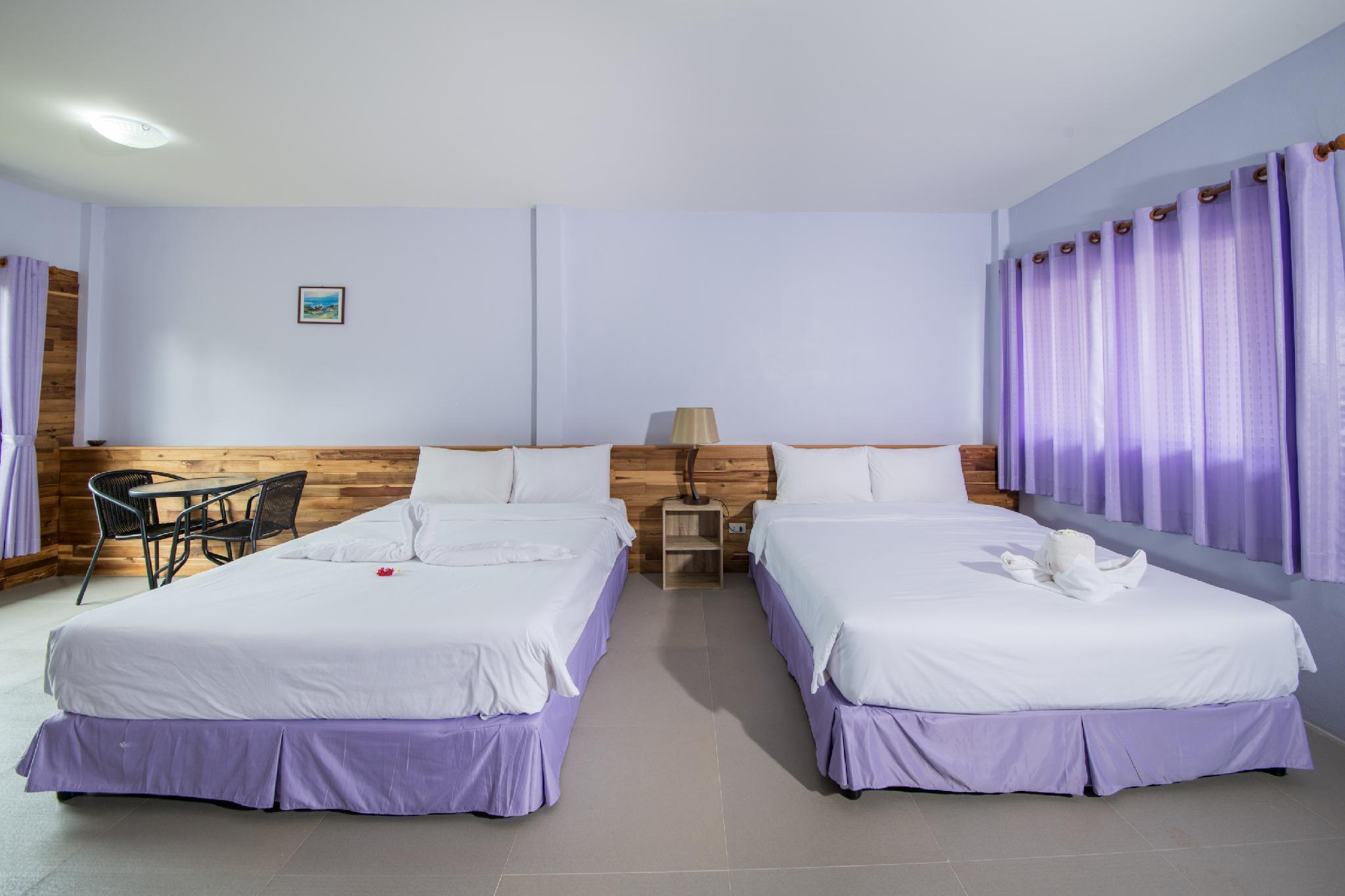 2 Queen Bed Waterpark View Non-Smoking