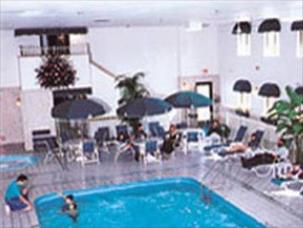 Piscina Baymont Inn & Suites Keystone Near Mt. Rushmore