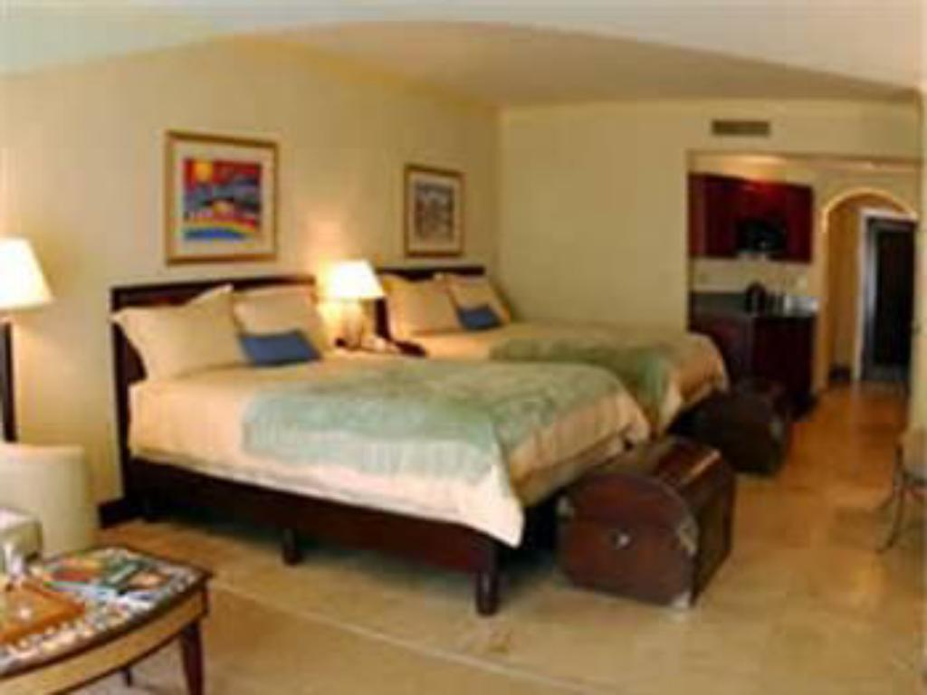 Guestroom Old Bahama Bay Resort & Yacht Harbour
