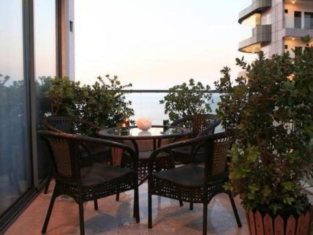 Varanda/terraço Park Lane Furnished Suites