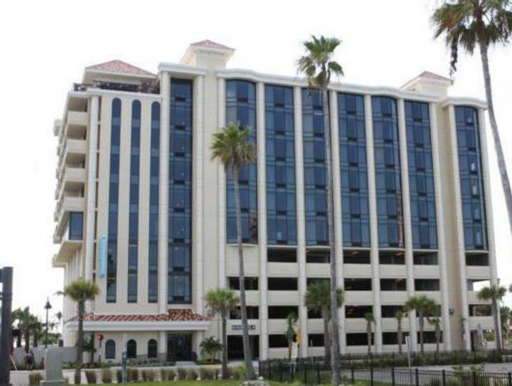 pier house 60 marina hotel in clearwater fl room deals. Black Bedroom Furniture Sets. Home Design Ideas